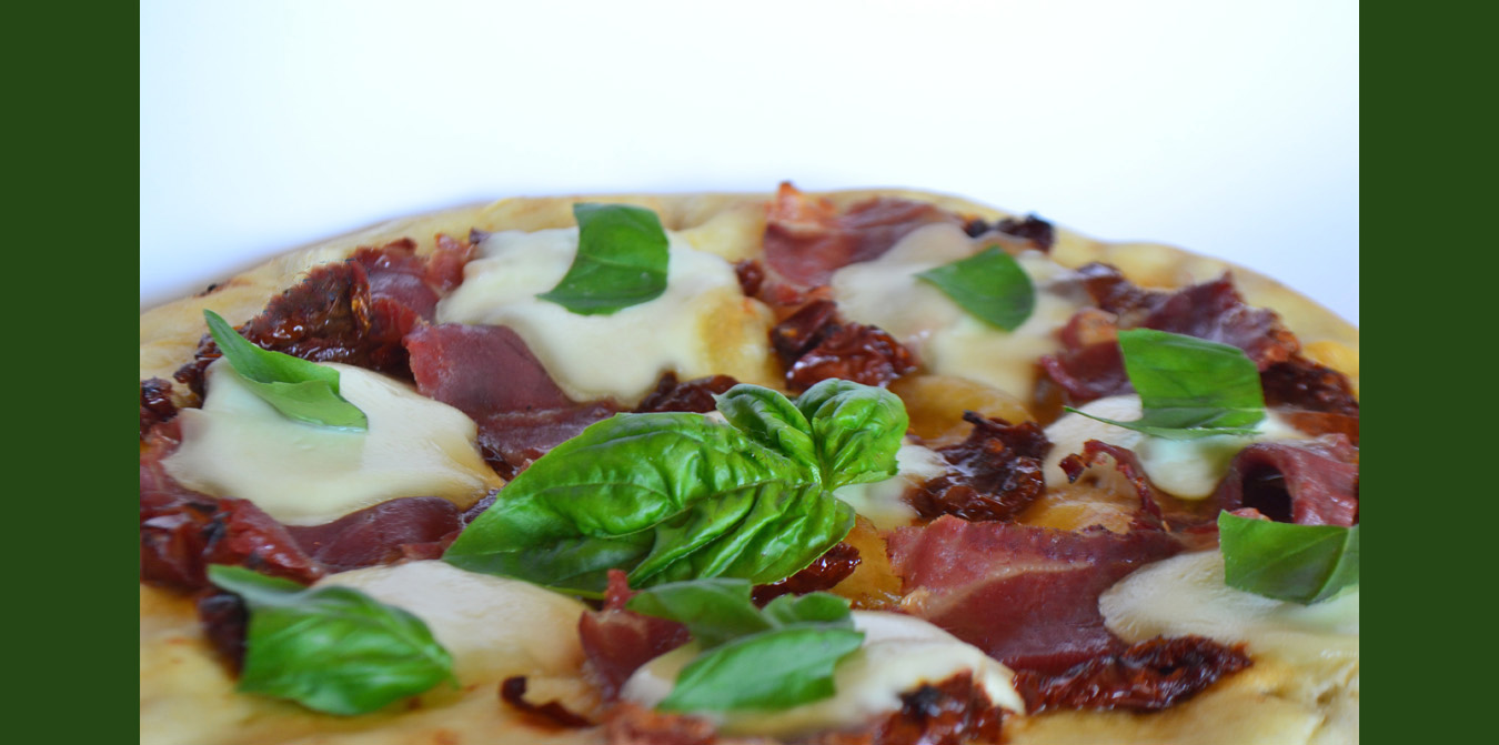 Romi's Pizza Italian Restuarant Kingsway Village Etobiocke Basil Proscutto Pizza 1